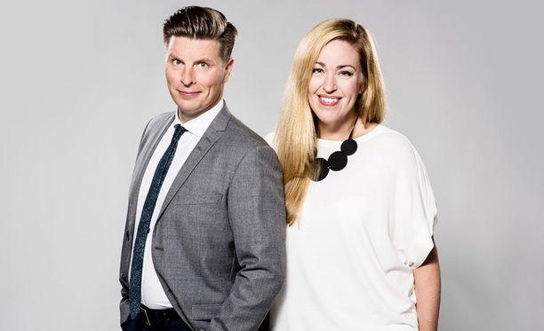 Markus Liimatainen ja Annika Damström jatkavat ajankohtaisen keskusteluohjelman juontajina uudistuksista huolimatta.