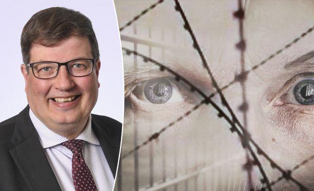 Ylen hallintoneuvoston puheenjohtaja Arto Satonen (kok) aikoo pyytää selvitystä Rikollinen mieli -ohjelmasta ja siihen liittyvistä kysymyksistä.