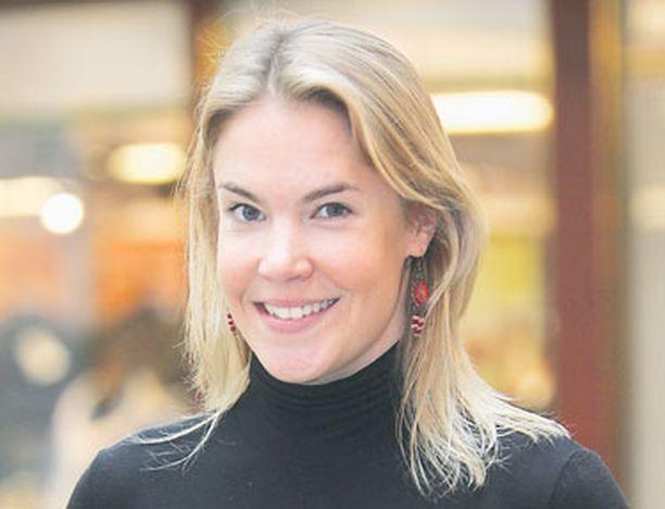 Ella Kanninen taitaa useita kieliä.
