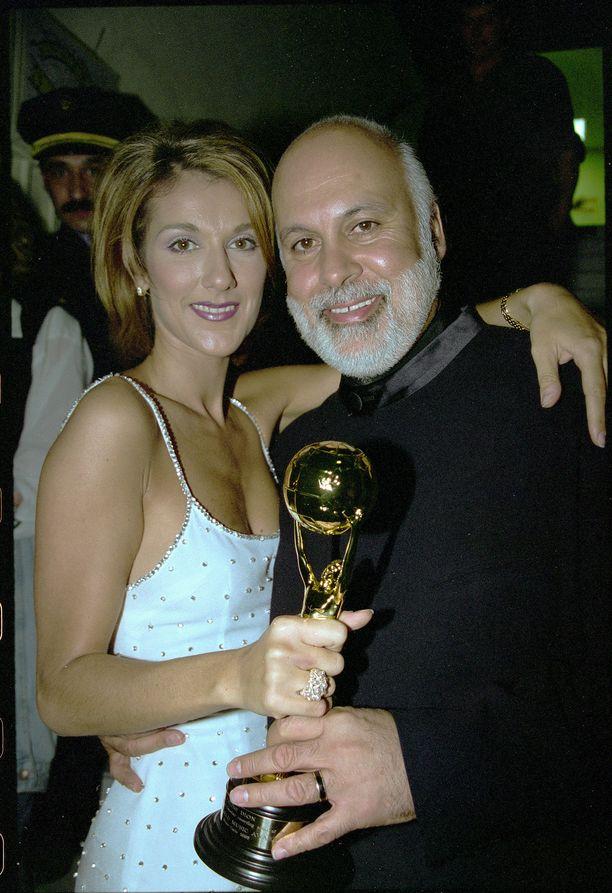 Céline Dion ja aviomies René Angélil vuonna 1996. Kuva: AOP