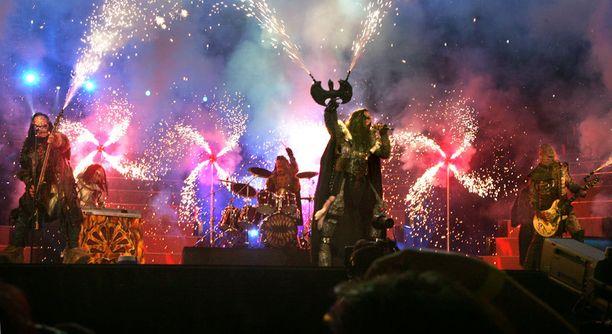 Hirviömaskeihin pukeutuneen yhtye hurmasi Euroopan rock-meiningillään.