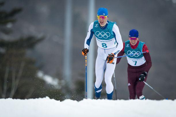 Iivo Niskanen kamppaili kultamitalista 50 kilometrillä Korean olympiakisoissa 2018 Aleksandr Bolshunovia vastaan.
