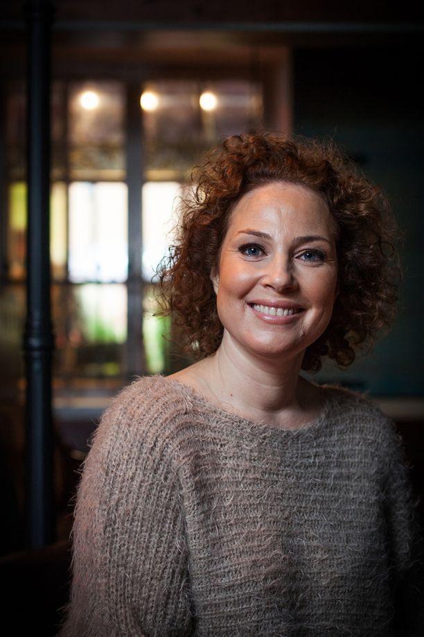 Näyttelijä Miia Nuutila erosi ja löysi uuden rakkaan.
