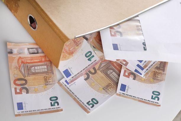 Pienituloisille eläkeläisille on luvassa 50 euroa lisää kuussa.