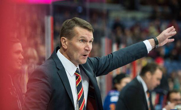Erkka Westerlund on joutunut useaan otteeseen ihmettelemään KHL-tuomarien ratkaisuja.