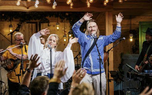 Vain elämää: Stigin herkistely yllätti artistit – piiloutui kaupassa Mariskan kappaleen takia