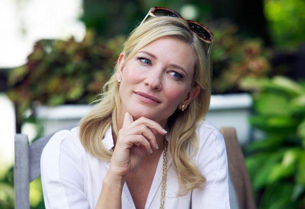 Cate Blanchett esittää Jeanettea, joka on muuttanut nimensä eksoottisemman kuuloiseksi Jasmineksi.