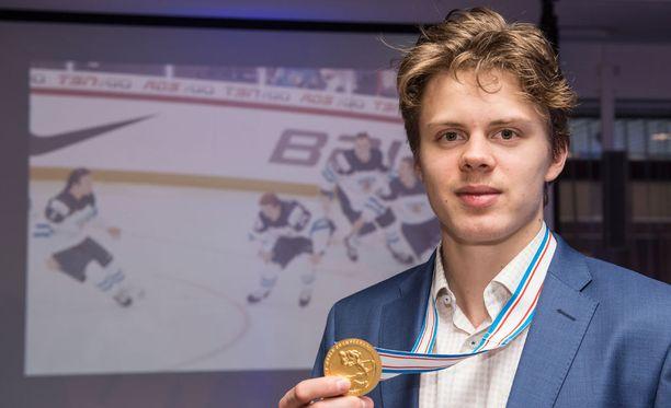Kasperi Kapanen on suvun kolmas Suomen mestari. Hän ehdotti Kapasille oman kadun antamista kotikaupunkiin Kuopioon.