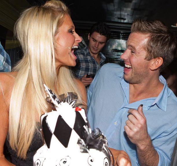 Paris juhli Las Vegasissa Doug Reinhardtin synttäreitä.