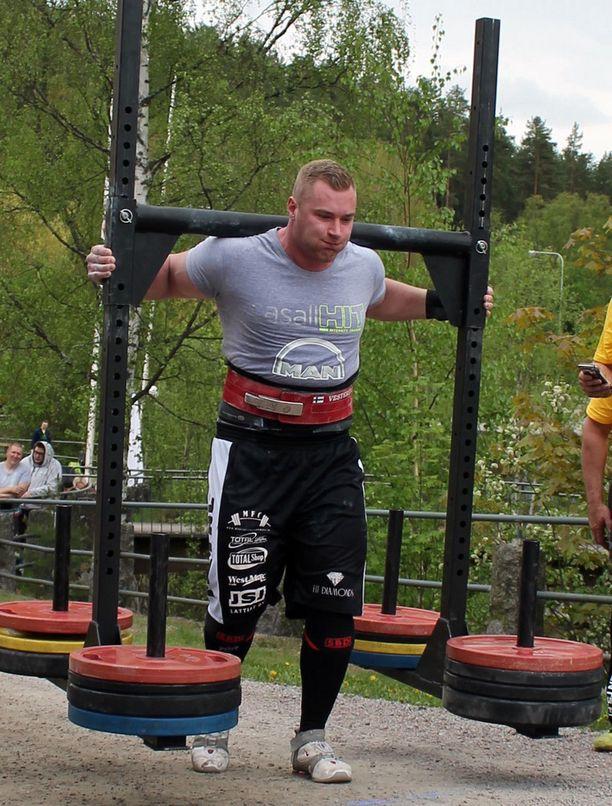 Niko Vesterinen kertoo, että sairauden jälkeen voimatasot palasivat nopeasti lihasmuistin ansiosta.