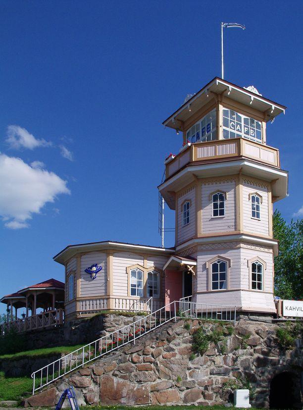 Tähtitornin kesäkahvila hurmaa kävijän Oulussa.