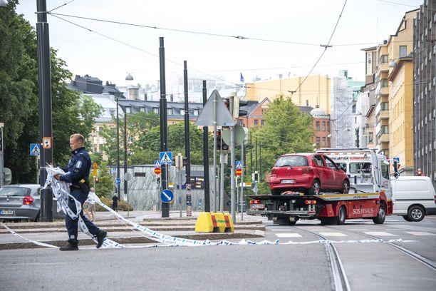 Ruotsalaispoliisi Gunnar Appelgrenin mukaan Kampin 32-vuotias ampuja on vanhempi kuin Ruotsin  jengiampujat.