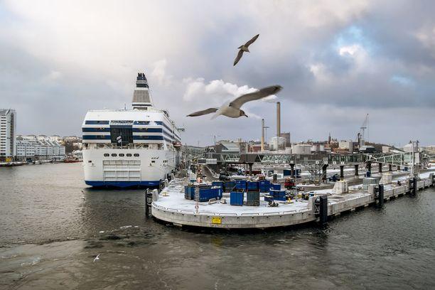 Ruotsinlaivoilta löytyy yhä hyttejä hiihtolomaristeilyille, tosin suosituimmat luokat ovat jo menneet.