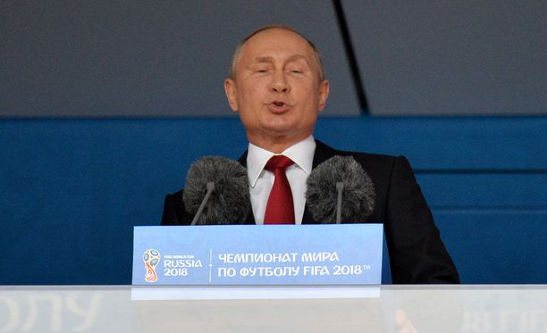 Vladimir Putin piti kisojen avauspuheen.