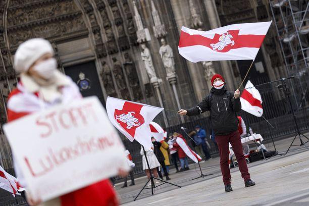 Valko-Venäjän presidenttiä vastustavat mielenosoitukset jatkuvat maassa.