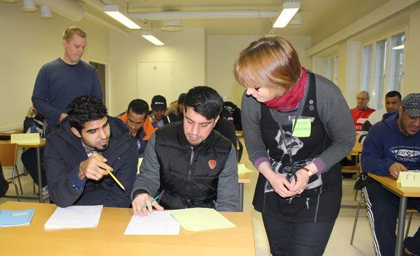 Kauhavan vastaanottokeskuksessa opiskeltiin viime marraskuussa.
