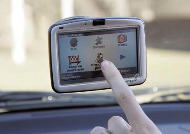 Autonavigaattoreiden uudet palvelut kertovat yllättävistä kelimuutoksista, ruuhkista ja onnettomuuksista.