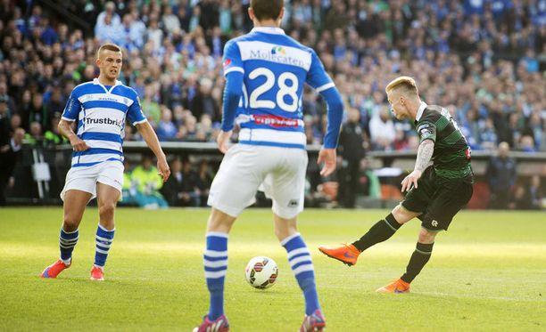 Groningenin Albert Rusnak ampuu voittomaalin Zwollen verkkoon Hollannin cupin finaalissa.