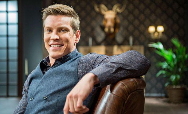 Antti Holma elää yksin ja on onnellinen.