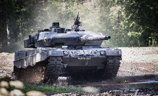 """Erikoispanssarivaunujen on tarkoitus toimia Leopard 2A6-taistelupanssarivaunujen """"tukielementtinä""""."""