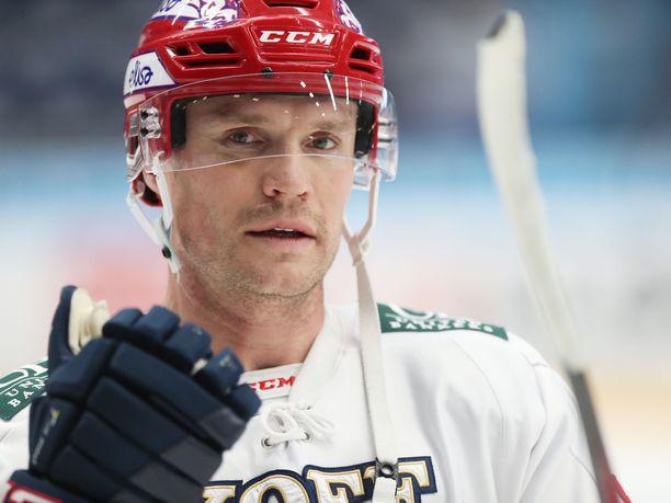 Tommi Santala on ulkona HIFK:n viidestä seuraavasta ottelusta.