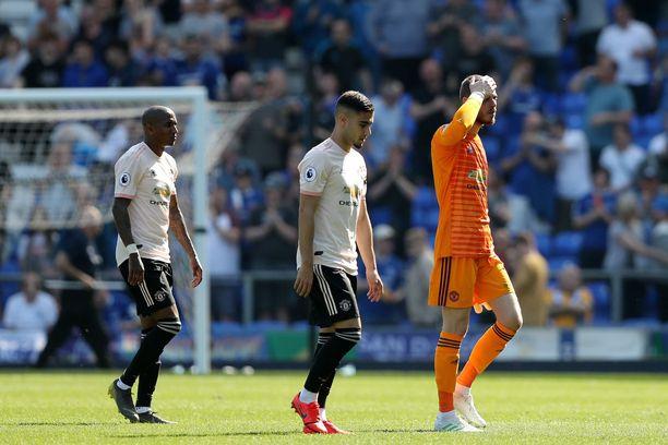 Manchester Unitedin maalivahti David de Gea johdatti joukkueensa pois Evertonin kotikentältä.