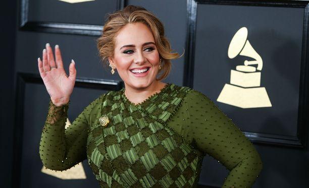 Adele täytti perjantaina 29 vuotta.