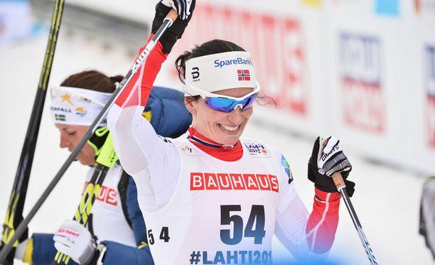Marit Björgen hiihti Lahdessa jo toisen MM-kultansa.