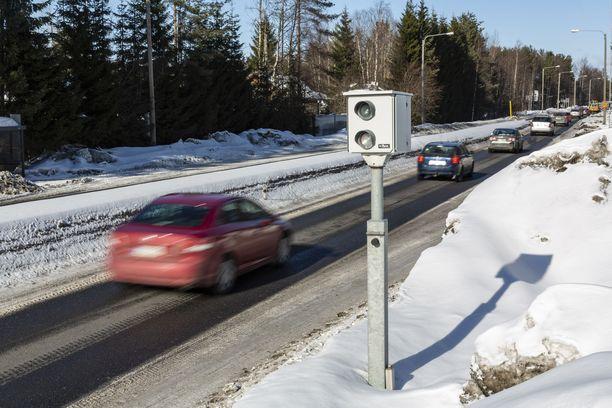 Tieliikennelakia uudistettiin vuonna 2020. Kuvituskuva.