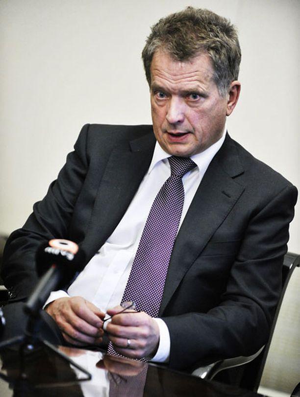 Sauli Niinistö valittiin jälleen eduskunnan puhemieheksi vuonna 2010.