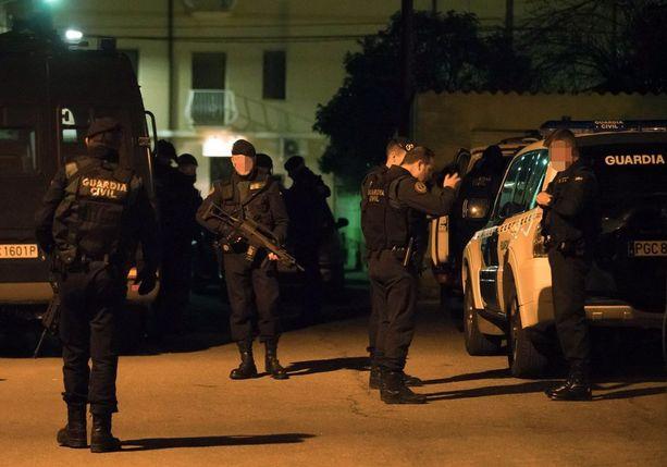Espanjan puolisotilaallinen poliisi Guardia Civil sai äärimmäisen vaarallisen rikollisen kiinni Teruelissa varhain perjantaina.