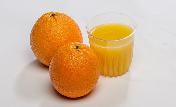Yhdysvalloissa New Yorkin pörssissä appelsiinimehun futuurien hinta on noussut lähestyvän Irma-hurrikaanin takia.