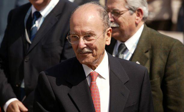 Kreikan ex-presidentti Stephanopoulos kuoli sunnuntaina 90-vuotiaana.