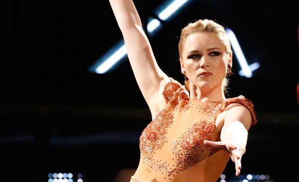 Viimeistään tanssikisan jälkeen kaikki tietävät, kuka on Anna-Maija Tuokko.