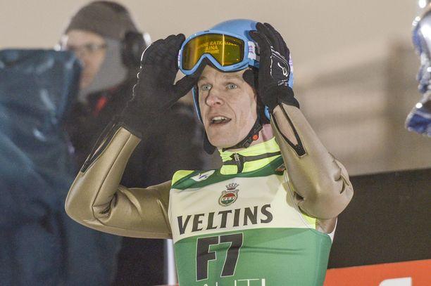 Toni Nieminen pitää Janne Väätäistä sopivana miehenä mäkimaajoukkueen valmentajaksi.