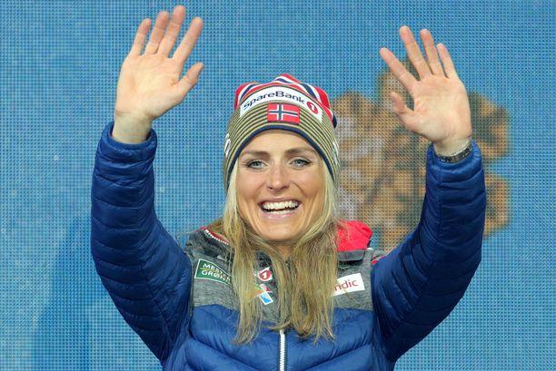 """Therese Johaug kertoo osallistuneensa Norjan mestaruuskisojen 10 000 metrin juoksukilpailuun vain """"saadakseen hyvän treenin""""."""