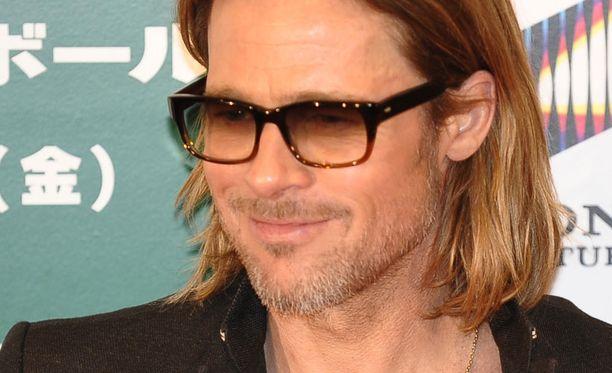 Brad Pitt yritti vakuutella faninsa luopumaan itsetuhoisista ajatuksista.