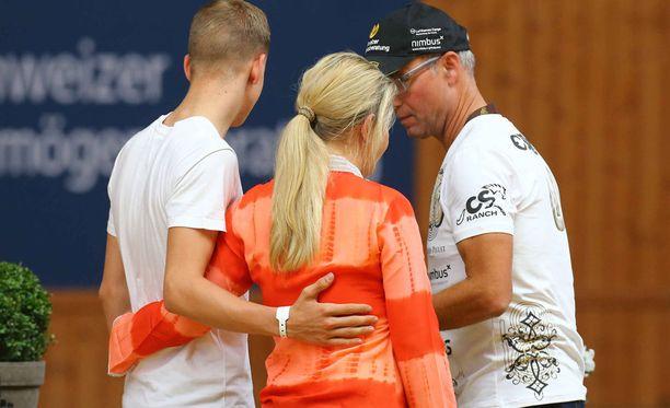 Michael Schumacherin perheeseen kuuluu vaimo Corinna sekä lapset Mick ja Gina-Marie.