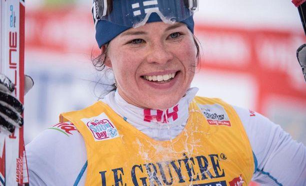 Krista Pärmäkoski tuli toiseksi Rukan maailmancupin perinteisellä kympillä. Hän hävisi Marit Björgenille vain viisi sekuntia.