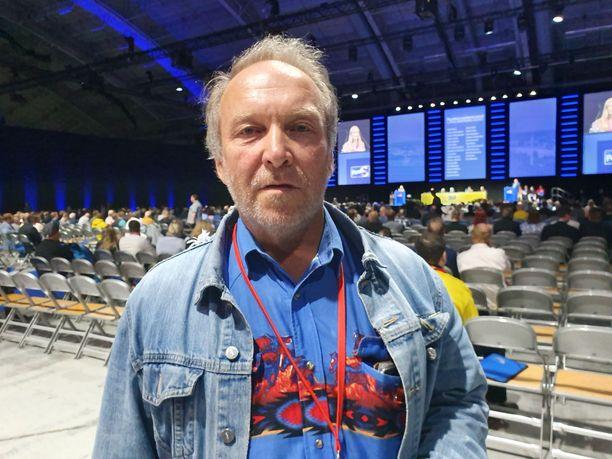 Europarlamentaarikko Teuvo Hakkarainen osallistui perussuomalaisten puoluekokoukseen.