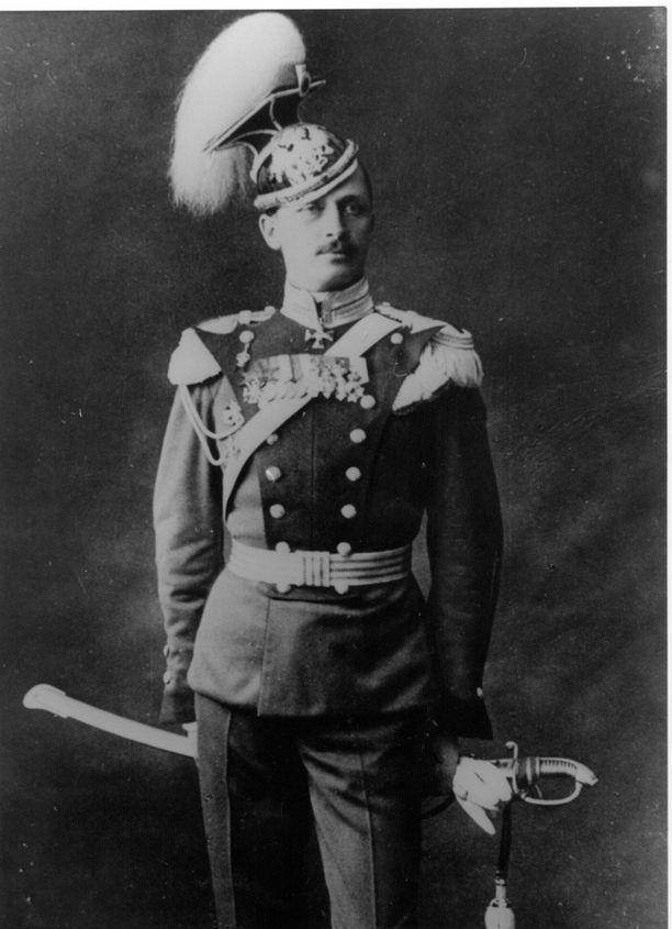 Mannerheim Venäjän armeijan univormussa.