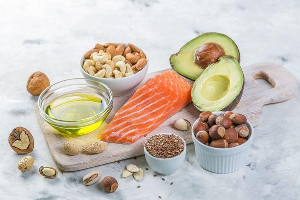 Keskiverto suomalainen ei syö terveytensä kannalta tarpeeksi pehmeää rasvaa. Pehmeitä rasvoja saa kasviöljyistä, pähkinöistä, siemenistä ja kalasta.