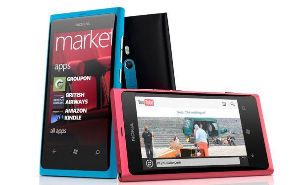Nokian ensimmäisen Windows-mallin käyttäjät ovat raportoineet tukifoorumilla akkuongelmasta.