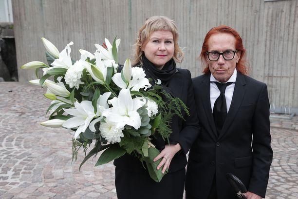 Mattiesko Hytönen saapui Heidi-vaimonsa kanssa.