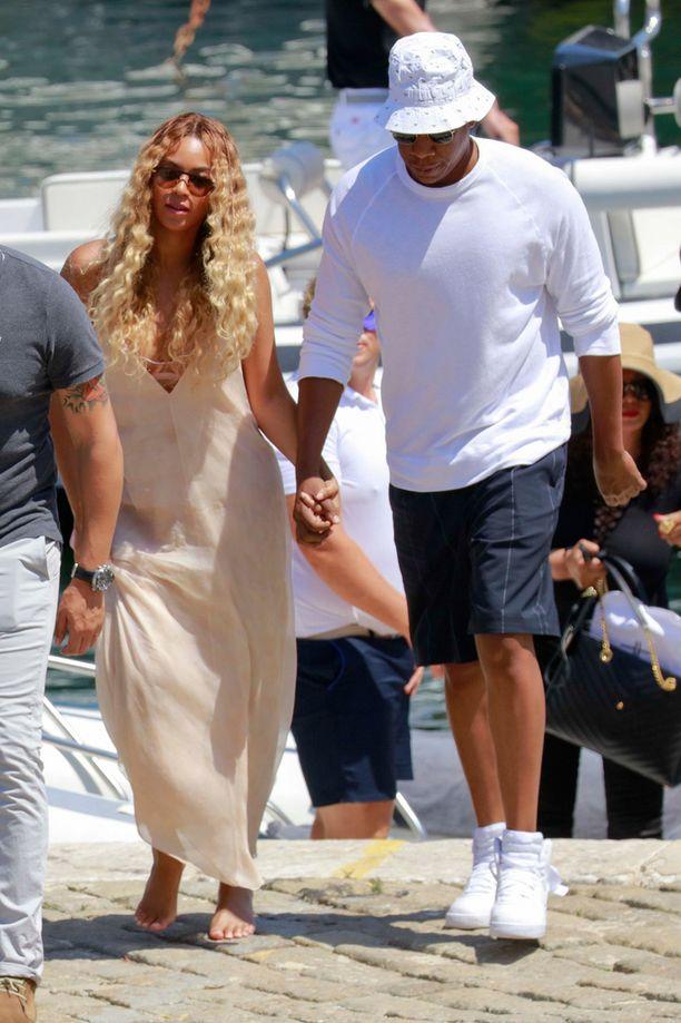 Beyoncé ja Jay Z nauttivat Rivieran lämmöstä helleasuissaan.