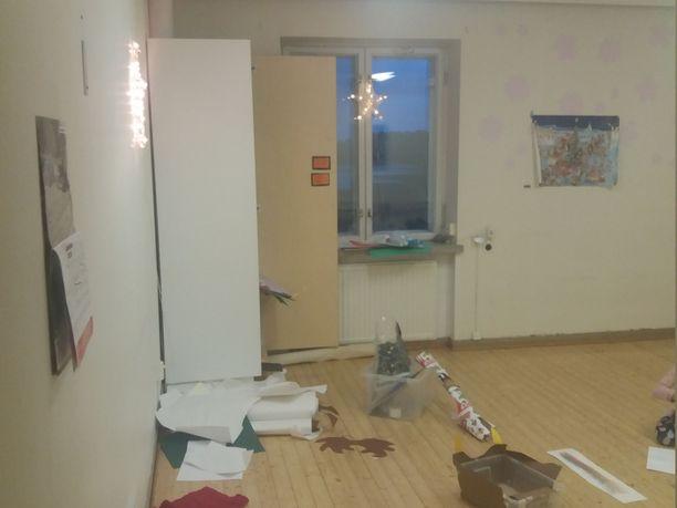 Kuusilinnan päiväkoti ja esikouluryhmä muuttivat joulun alla Tiilään monitoimitaloon Askolassa. Vanhemmat tekivät päätöksestä oikaisuvaatimuksen ja pitivät eskarilaiset maanantaina kotona.
