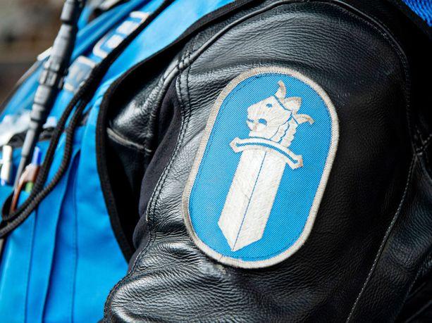 BMW-harrastajat aiheuttivat poliisille paljon töitä Kalajoella viikonlopun aikana.