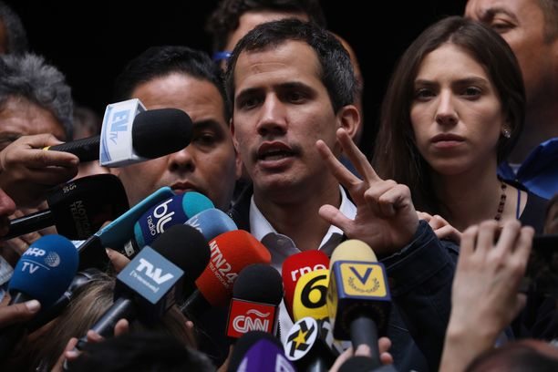 Juan Guaidó nousi tuntemattomuudesta Venezuelan virkaa tekeväksi presidentiksi.