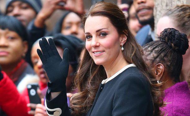 Catherine ja William odottavat toista lastaan.