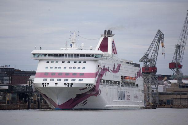 Suomalaisnainen löytyi kuolleena Baltic Princess -laivan hytistä Turun satamasta maanantai-iltana.